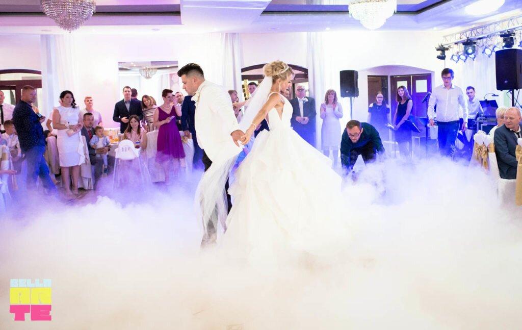 Bella-Arte dekoracja światłem - Ciężki dym na wesele