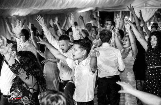 Oczepiny i zabawy na weselu   zespół muzyczny   BellaNotte